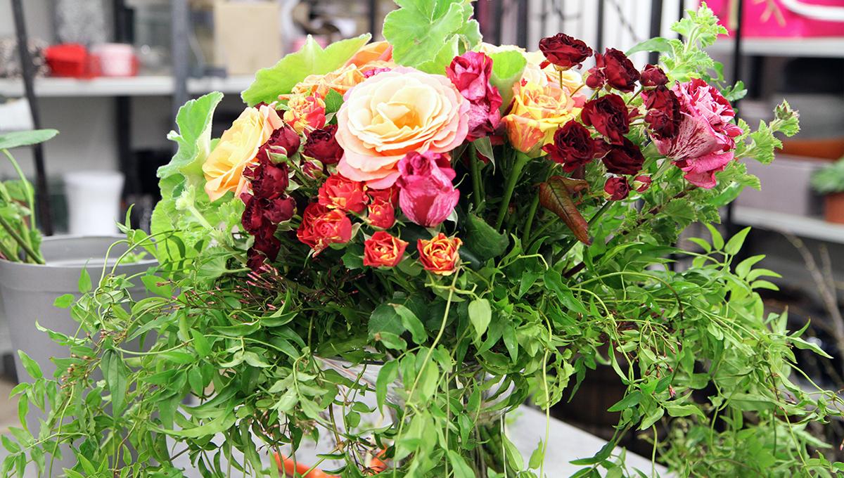 Bouquet de roses et jasmin
